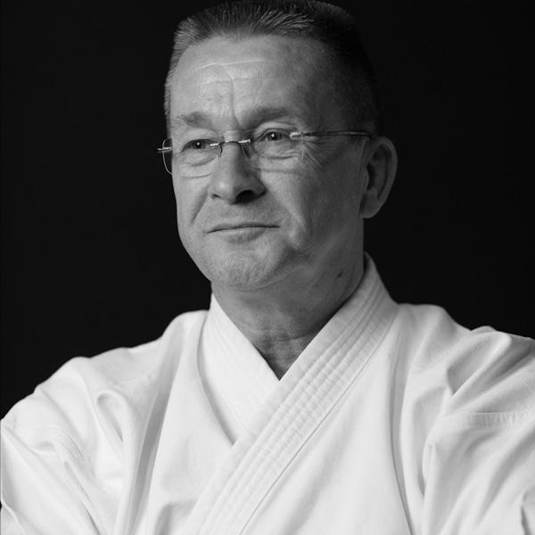 5e Dan karate, volwassen karate