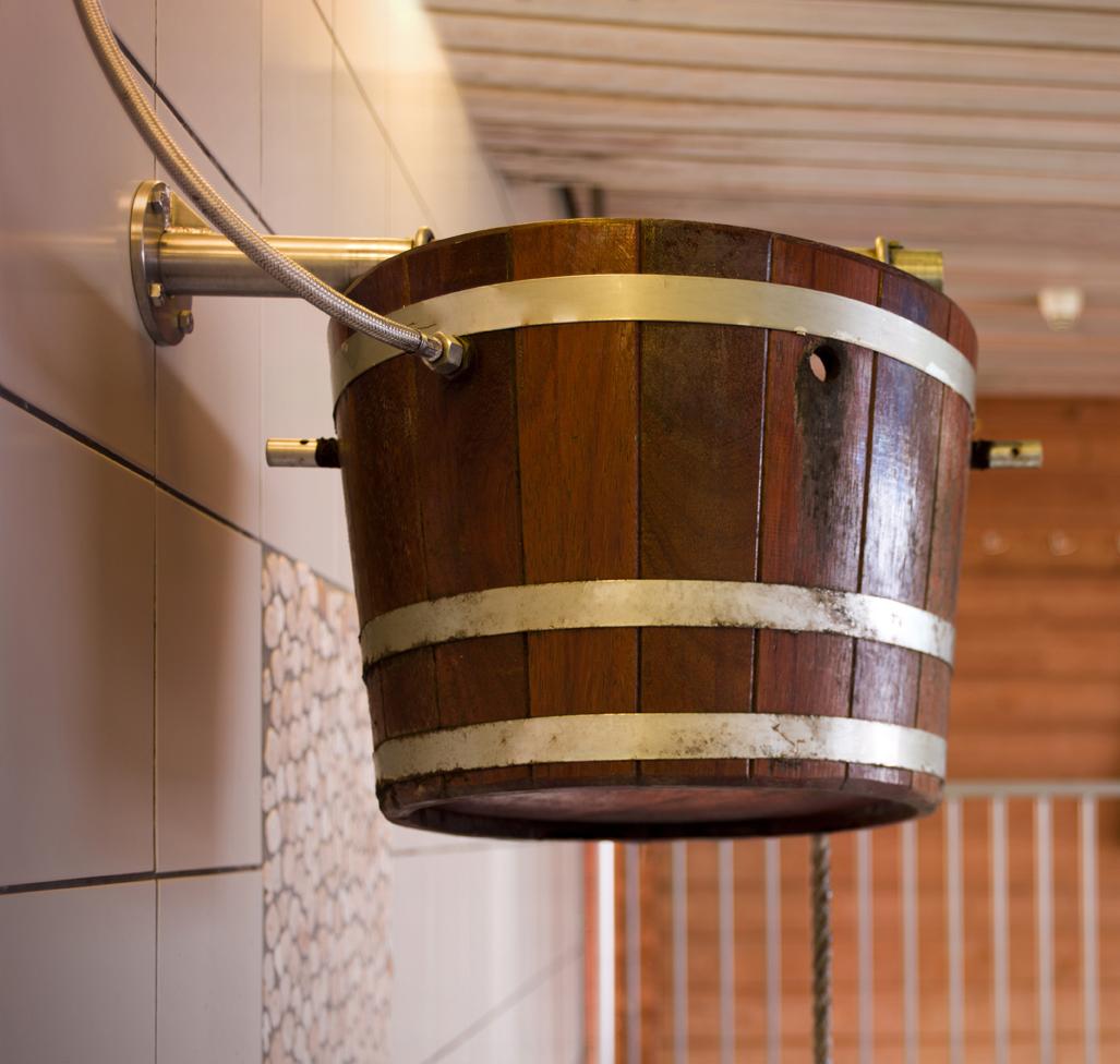 geniet van onze wellness faciliteiten: sauna, stoomcabine, warmbad met massage stralen, koud water bad